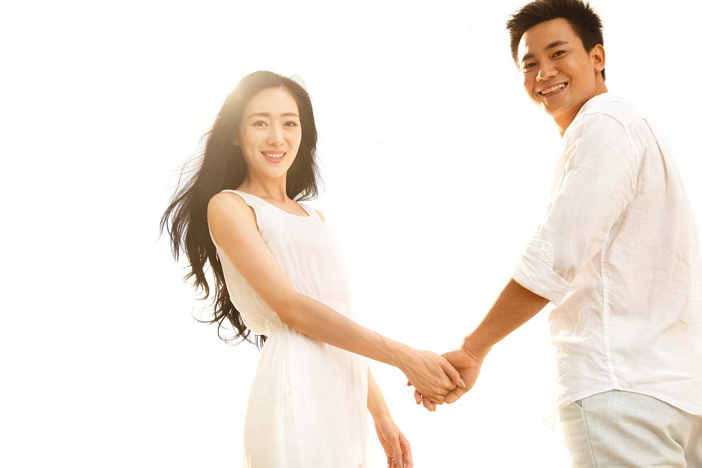 男女关系发展到哪种程度适合表白?想抱得美人归并不容易!