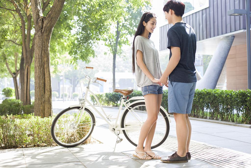 如果前男友找你复合怎么办?女人会有什么心理?