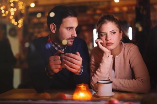 约会时和女生怎么聊天?和女生约会聊这三个话题能给你加分